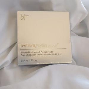 Bye bye pores pressed powder